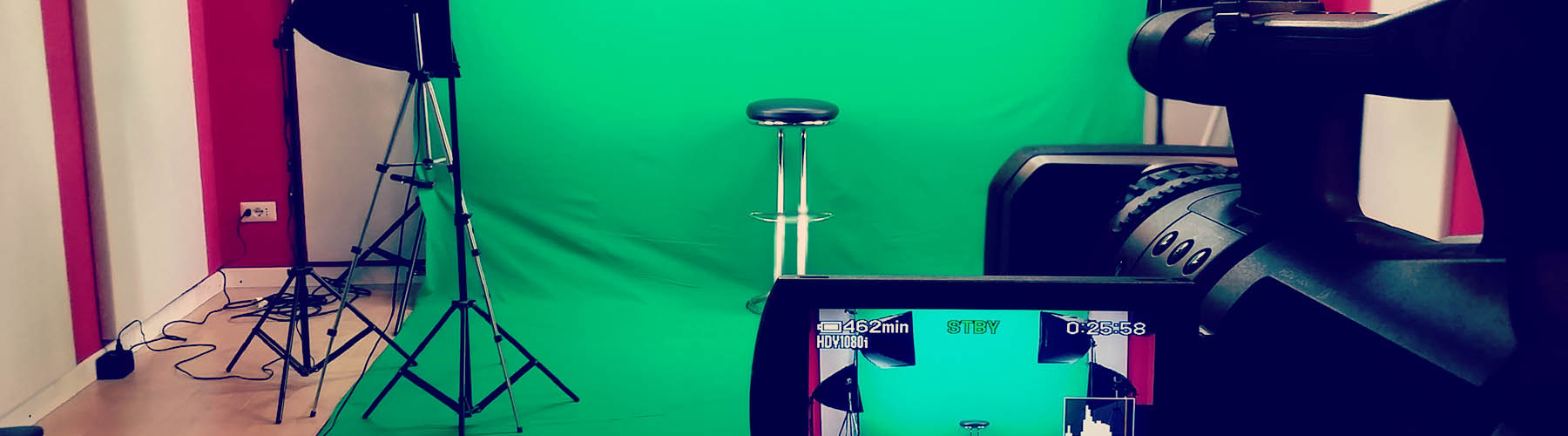 Video e-learning and video clips with chroma key